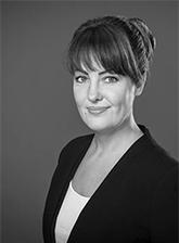 Dr. Alexandra Apfelbaum