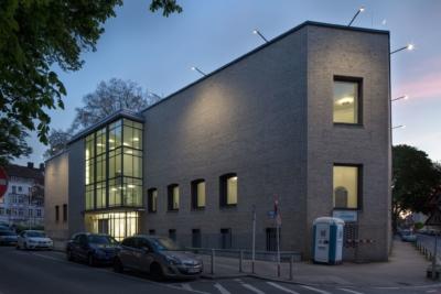 Außenansicht Baukunstarchiv NRW, Nachtaufnahme April 2018